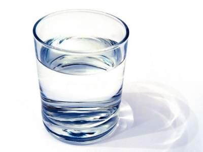 Медики сообщили об опасности употребления воды