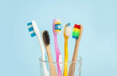 Медики рассказали, как выбрать зубную щетку