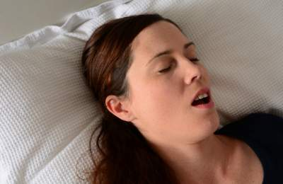 Женский храп может вызвать серьезное заболевание