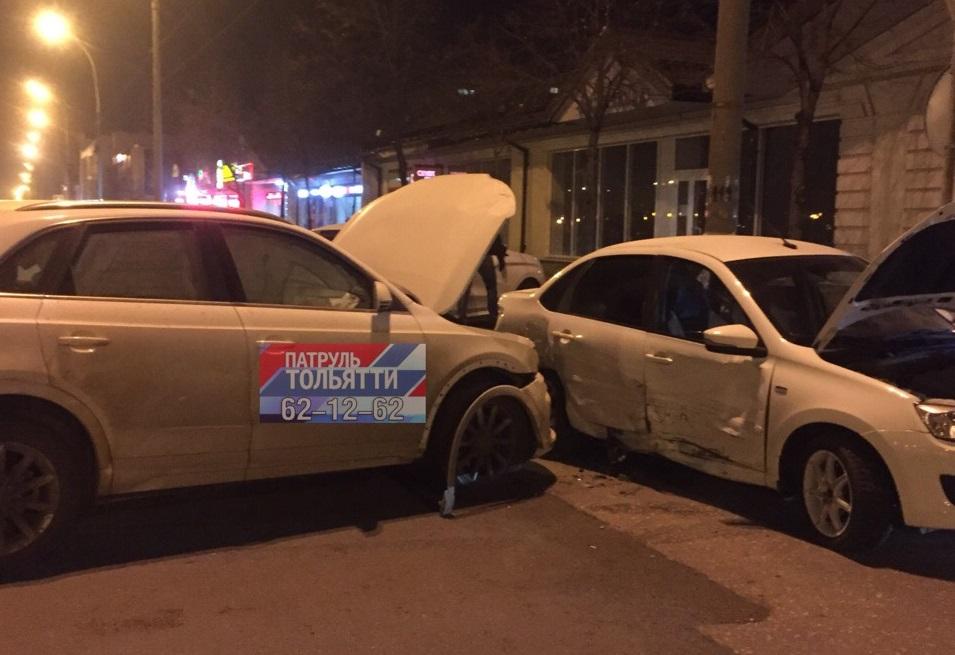 В аварии двух авто на Юбилейной пострадали люди