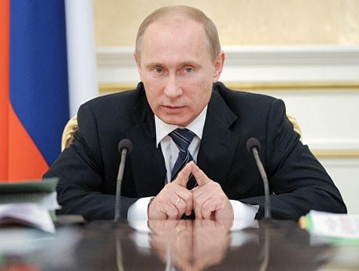 Путин предложил не наказывать тюрьмой за плагиат и долги по зарплате