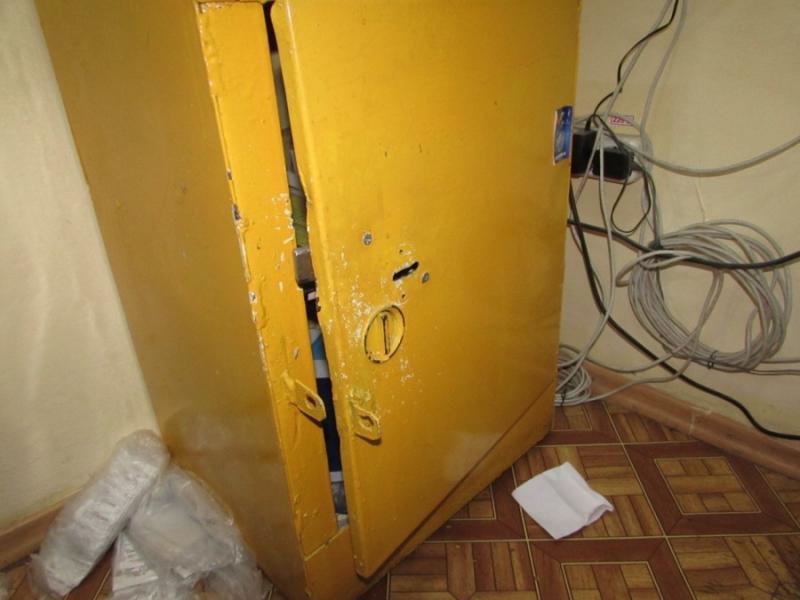 Тольяттинец вскрыл сейф магазина в Жигулевске и забрал всю выручку