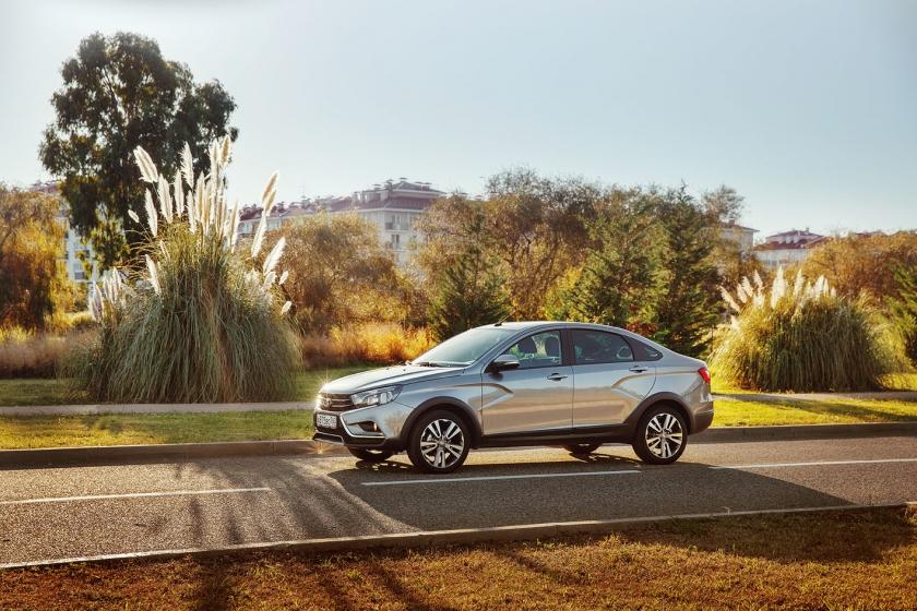 В октябре АВТОВАЗ побил рекорды по продажам автомобилей