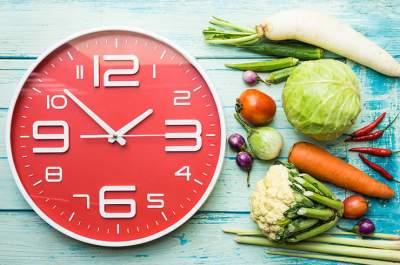 Диетологи рассказали о пользе интервального голодания