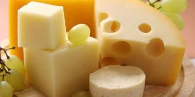 Диетологи рекомендуют отказаться от ежедневного употребления сыра