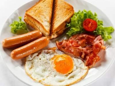 Названы лучшие продукты для завтрака