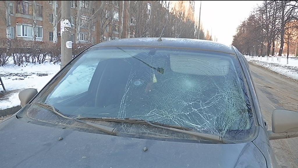 В Тольятти сбитый пешеход разбил головой лобовое стекло «Лады»
