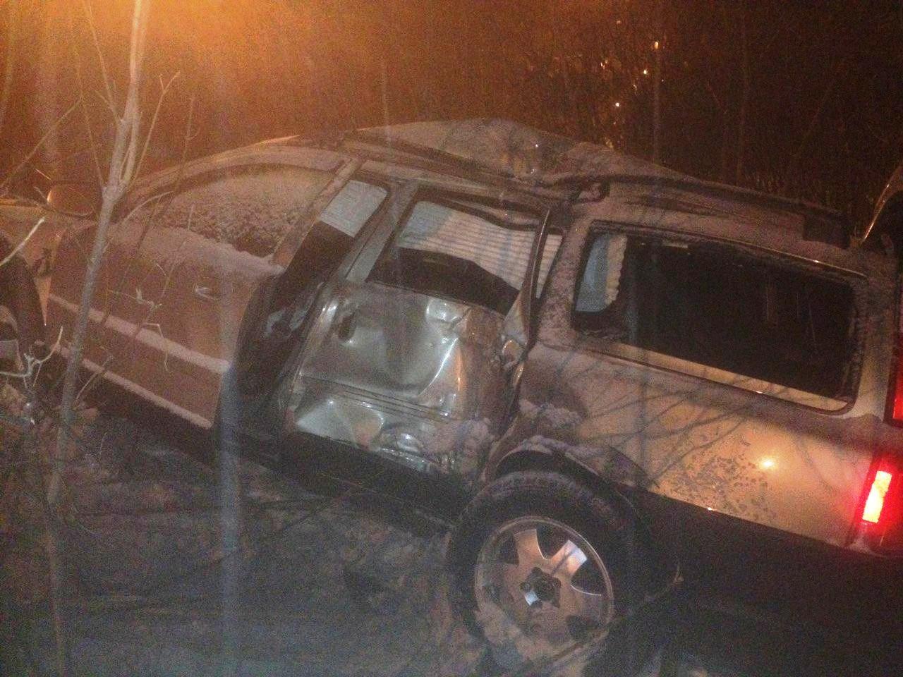 В Тольятти пьяный на «Вольво» влетел в столб. Один человек погиб, трое в больнице