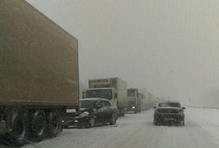 На трассе М-5 в Самарской области продлили ограничение на проезд грузовиков