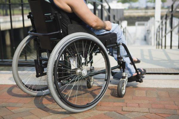 Разные виды пандусов для инвалидов
